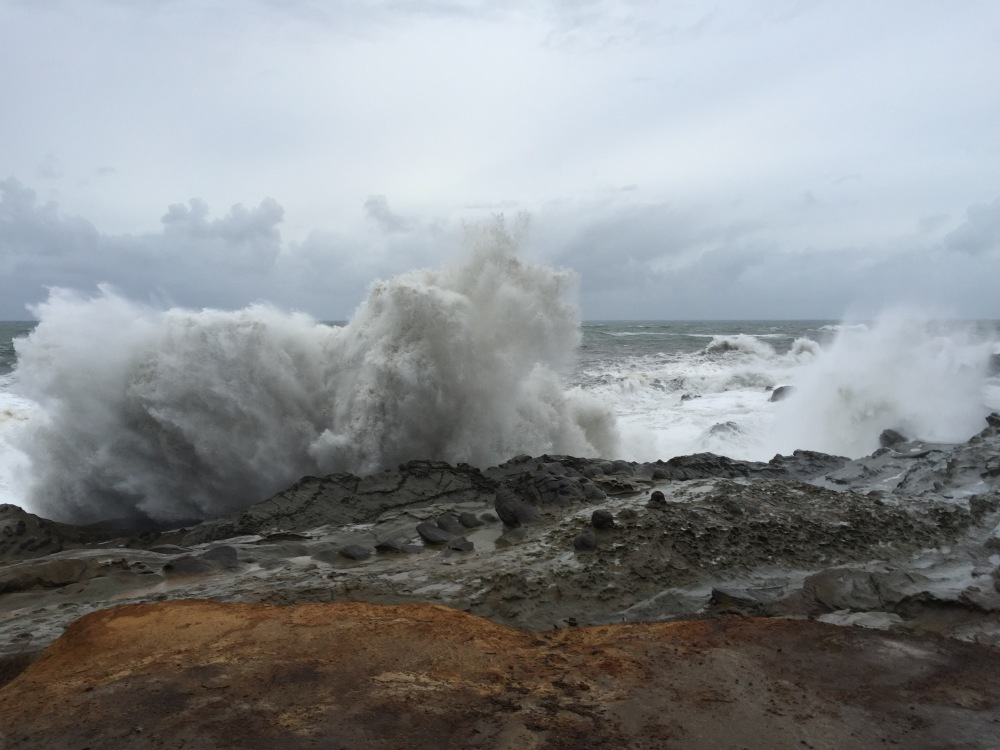 Waves exploding at Shore Acres